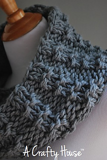 Ach_mid-december_cowl_003_small2