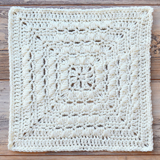 Kostenlose Granny Square Anleitung von Polly Plum auf Ravelry.com