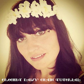 Crochet_daisy_chain_small2