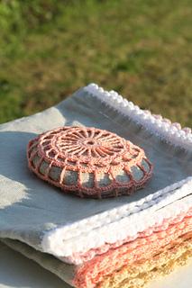 Crochet_pebble_small2