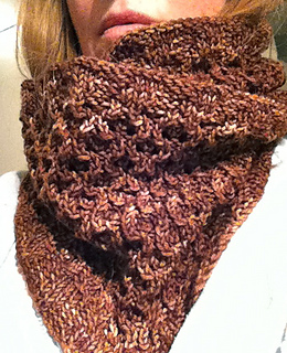 Hourglass_cowl_3_small2