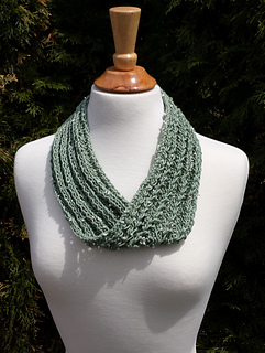 Dew_drop_lace_cowl_small2