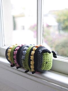 Limonia_caterpillar_lg_small2