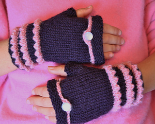 Fairytale_fingerless_mitts_006_small2