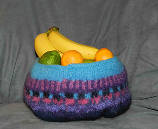 Susan_s_felted_bowl_small2