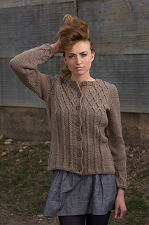 Dauphine_cardigan__2__small2