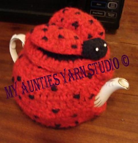 Craft Passions Ladybug Tea Cosy Free Crochet Pattern Link Here