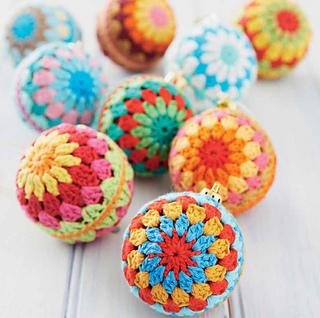Crochet Flowers Tutorial By Carmen Heffernan : Ravelry: Christmas Baubles pattern by Carmen Heffernan