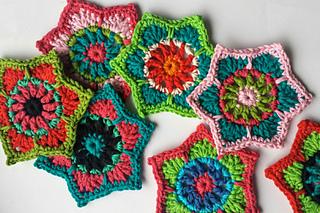 Crochet Flowers Tutorial By Carmen Heffernan : Ravelry: Boho Christmas Stars pattern by Carmen Heffernan
