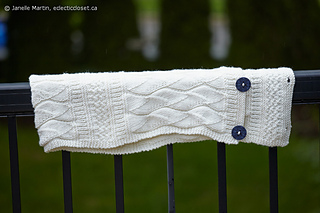 Knitting-sept17-2016_mg_168_scaled_watermarked1_small2