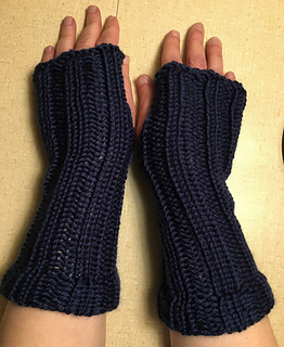 Loom Knit Fingerless Gloves Pattern : Ravelry: Loom Knit Fingerless Gloves pattern by Denise Canela