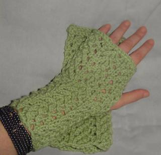 Lace_wrist_warmers_small2