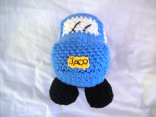 Crochet_car_toy_small2