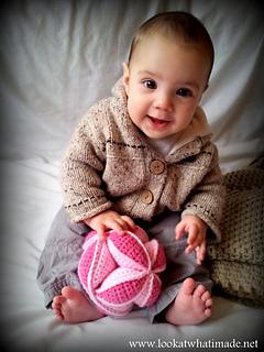 Crochet_amish_puzzle_ball_small2