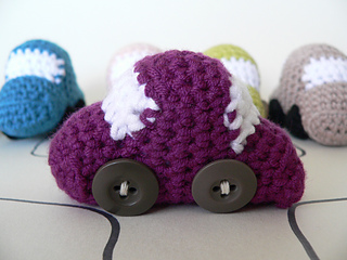 Tiny_crochet_car_pattern__3__small2
