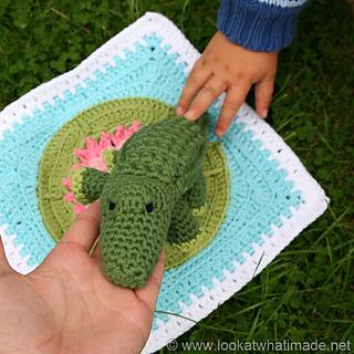 Crocodile_front_small2