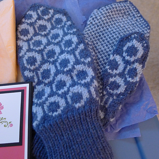 Circle_mittens_small2