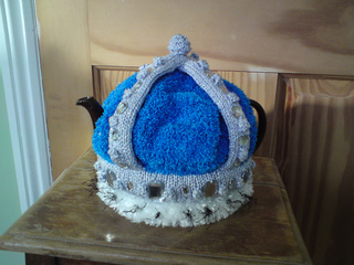 Crown_teacosy_019_small2