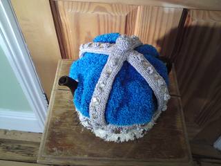 Crown_teacosy_022_small2