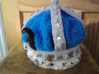 Crown_teacosy_021_small2