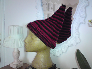 Dennis_hat_003_small2