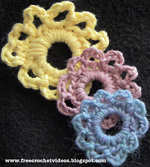 Simple-and-pretty-crochet-flower_small