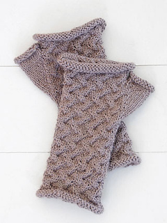 Cabled_mitts_320x427_small2