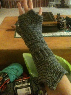Medieval_gloves_small2