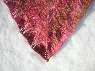 Fuchsia_shawl_tip_small2