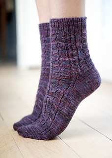 Cute-cable-socks2sm_small2