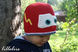 Crochet_lightning_mcqueen_hat_free_pattern_small2