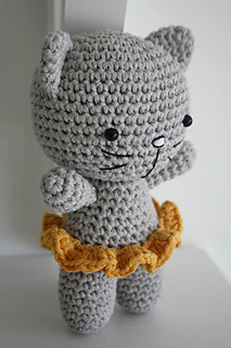 Tiny Amigurumi Cat Pattern : Ravelry: Small cat pattern by Mari-Liis Lille
