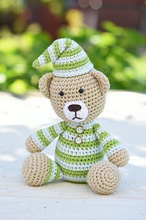 Amigurumi_pattern_pajamas_teddy_bear__1__small2