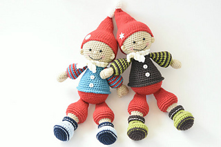 Jester_the_christmas_gnome_amigurumi_pattern_small2