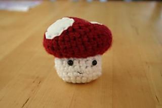 Mushroom_front_small2