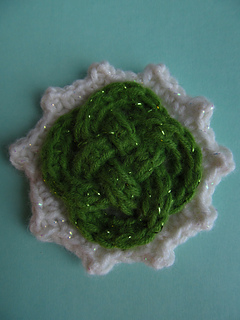 Celtic_knot_pin_green_center_march_2013_small2