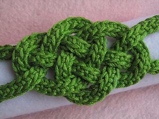 Celtic_knot_bracelet_jeryan_small2