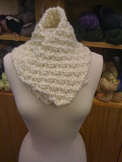 Winter_white_neckwarmer_small2