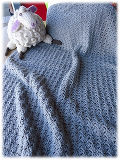 Classic_cot_blanket_small2