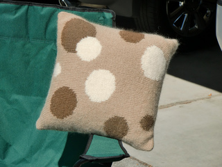 Intarsia_pillow_1_small2