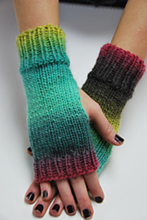 Scrap_yarn_gloves_small2