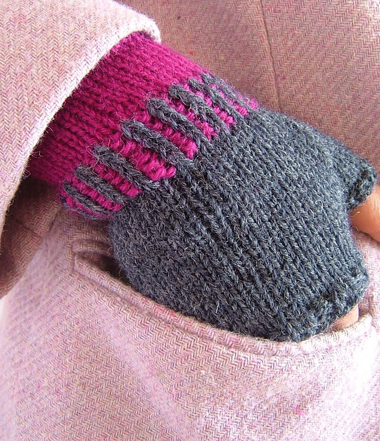 Catchy Fingerless Mittens