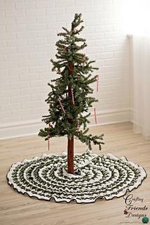 Christmas_pine_tree_skirt_small2