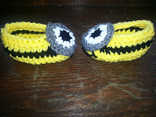 Minionslipperscomplete_small2