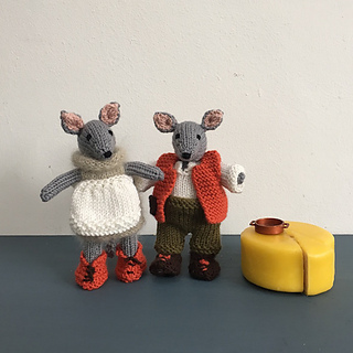 Debbie_bliss_originals_dolores_and_dave_cheese_maker_mice_small2