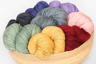 Messa-di-voce-hand-dyed-yarn_small2