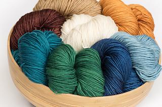 Minuet-hand-dyed-yarn_small2