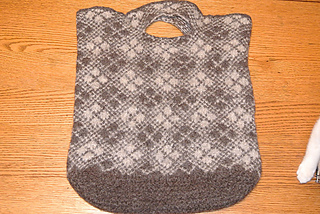A_leilas_bag_small2
