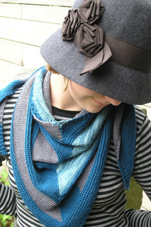 Edit_childs_20111002_westknitsmystershawl_0048_small2