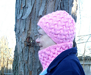 Strawberry_fluff_hat__cowl_tree_2_-_1000_small2